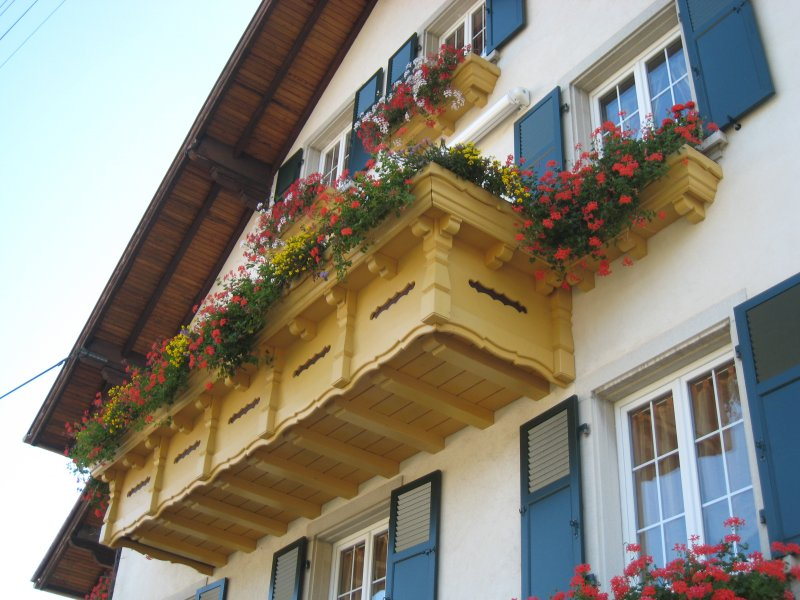 balcon-autrichien-avec-jardinier-2